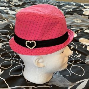 Place Cute pink hat